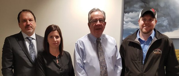 Photo of Minister of Agriculture and Rural Affairs and OSSTF/FEESO representatives